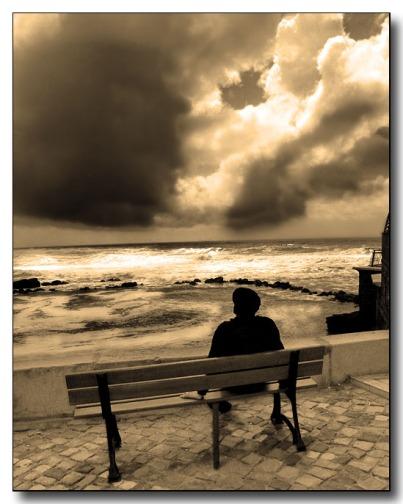 lonely-742719.jpg